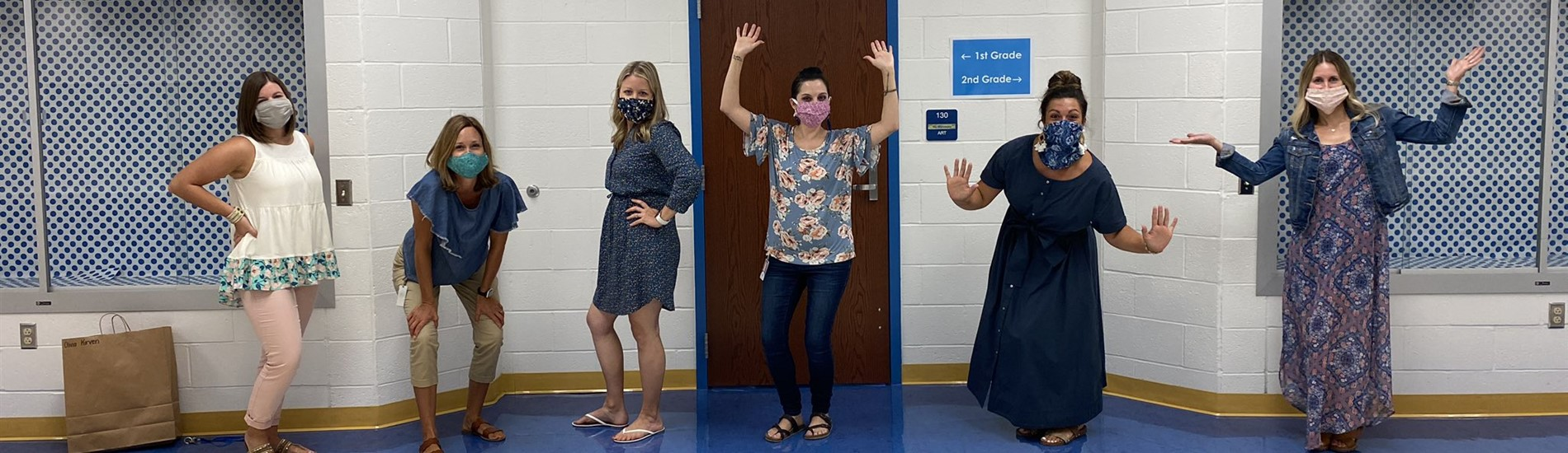 Muse Elementary teachers social distancing and wearing masks